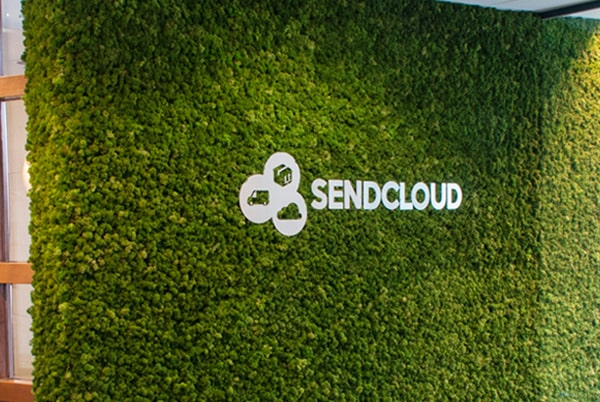 Referentie moswand SendCloud