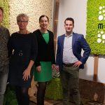 werkbezoek van de gemeente Weert bij Moswand met wethouders Wendy van Eijk en Martijn van den Heuvel samen met Carine Bongers van ondernemerszaken